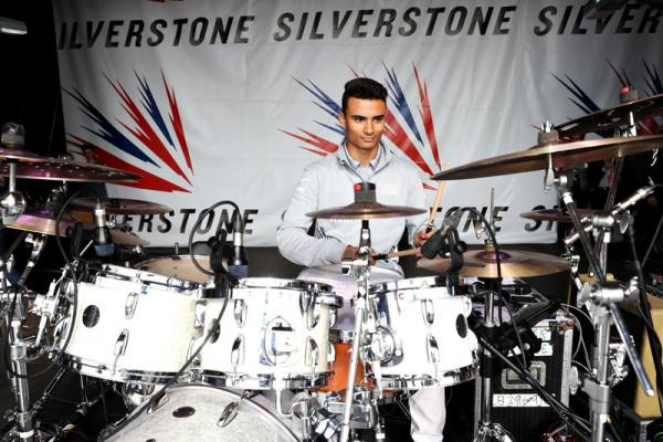 f1-british-gp-2016-pascal-wehrlein-manor-racing-play-drums-on-the-silverstone-stage.jpg